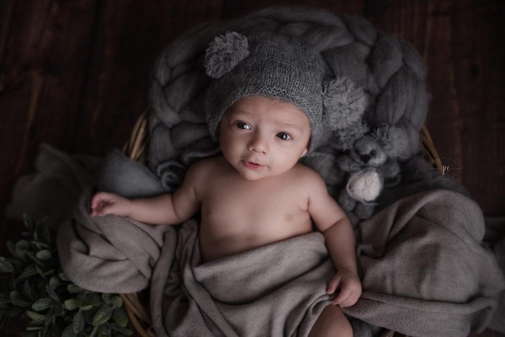 photographe bébé angers lini nouveau né