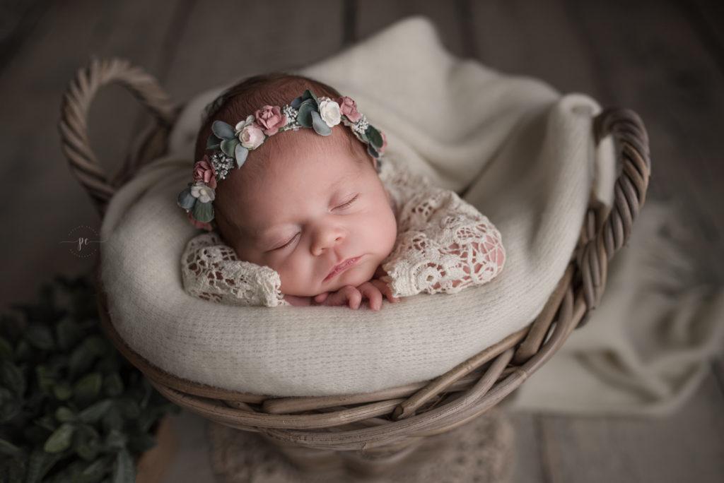 photographe naissance angers nouveauné eleo