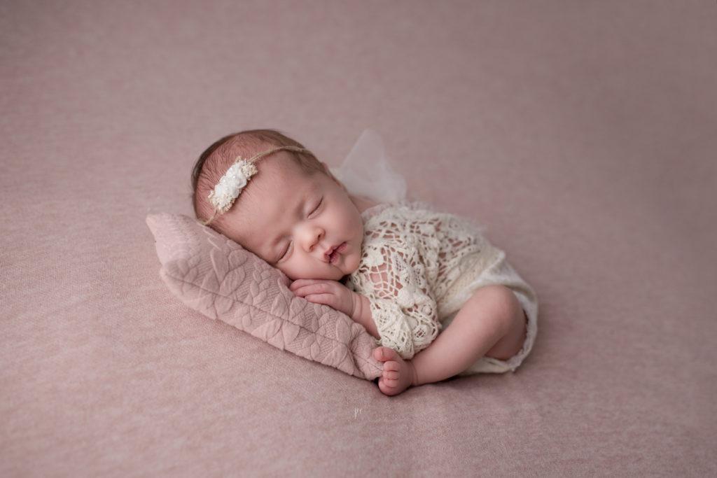 photographe naissance nouveau né angers eleo